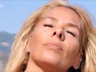 celeb: Adriane Galisteu na playboy agosto de 2011