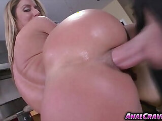 hottie babe Sheena Shaw getting her pussy fucked