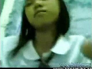 oriental: Estudyante Iniyot Habang walang tao sa Bahay