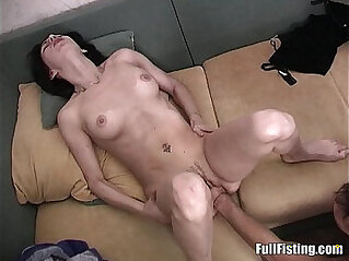 rasa sakit: Sexy Girlfriend Tight white Pussy Fisted And Fucked