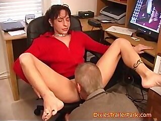 MILF  ,  mom  ,  office  ,  pussy  ,  pussy lick   chinese porn