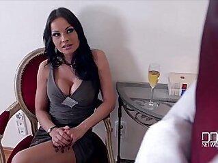 cumshot  ,  european  ,  hardcore  ,  interracial  ,  MILF   chinese porn