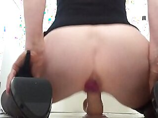 butt  ,  cum  ,  dildo  ,  high heels  ,  homemade   chinese porn